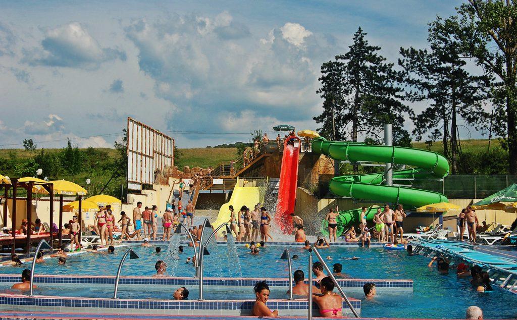 Cele mai bune tranduri cu ap termal din transilvania for Aqua piscine otterburn park