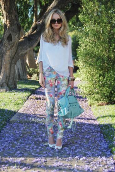 pantaloni-cu-imprimeuri-florale-2015-10